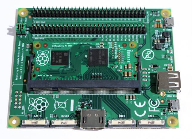 Le Compute Module et sa carte d'I/O