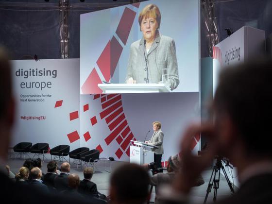 Angela Merkel à la conférence Digitising Europe